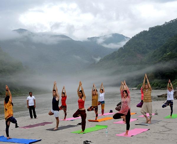 Yoga-Rishikesh-india-International-yoga-festival